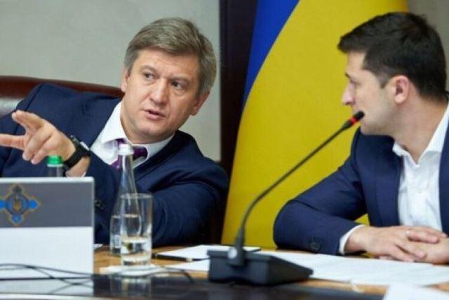 Причиной отставки Данилюка стал конфликт с Коломойским и Богданом