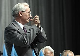 Скільки банкіри дадуть за язик Азарова?