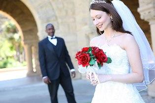 Жительницы Украины все больше интересуются замужеством за иностранцев