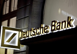 Bloomberg нашел окружение Путина в деле об отмывании денег через Deutsche B ...
