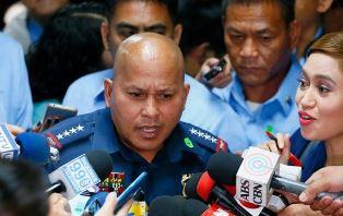 На Филиппинах в результате войны нового президента с наркомафией убито поря ...