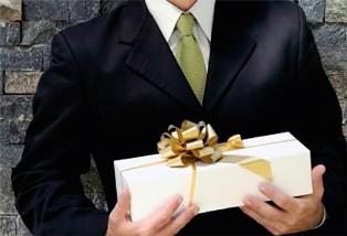 Деловые корпоративные подарки: как выбрать уместный вариант?