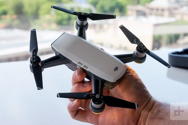 США вслед за Huawei взялись за китайские дроны