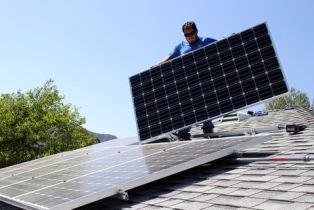 В команде Зеленского сообщили плохие новости для владельцев домашних солнечных электростанций