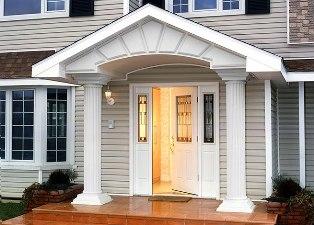 Особенности выбора входной двери в коттедж