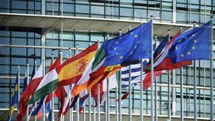 Европарламент принял резолюцию с отключением РФ от SWIFT