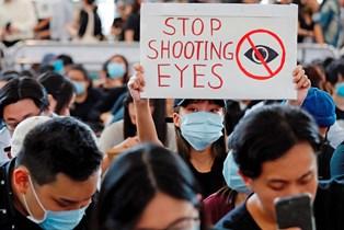 В Гонконге из-за массовых протестов приостановил работу аэропорт