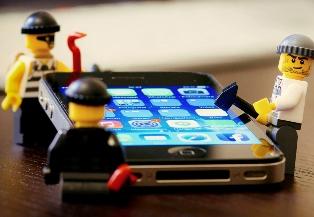 В iPhone и iPad обнаружены уязвимости, которые позволяют легко обойти защит ...