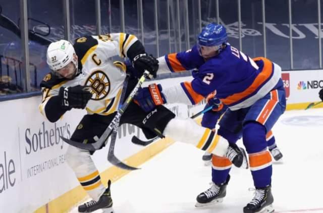 NHL: Айлендерс разгромил Бостон и вышел в полуфинал Кубка Стэнли