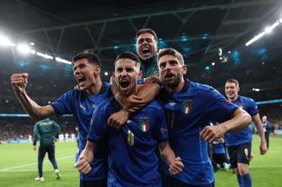 Евро-2020: Италия в серии пенальти проходит Испанию