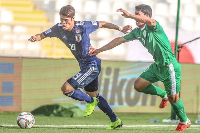 Кубок Азии: тяжелый старт Японии, Узбекистан побеждает Оман