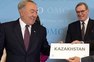 В Казахстане решили отказаться от кириллицы