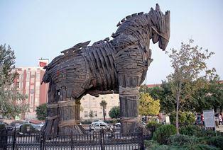 Троянский конь: что не так с возвращением РФ украинских кораблей?