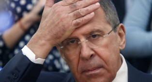 В РФ предлагают отказаться от доллара и международных платежных систем