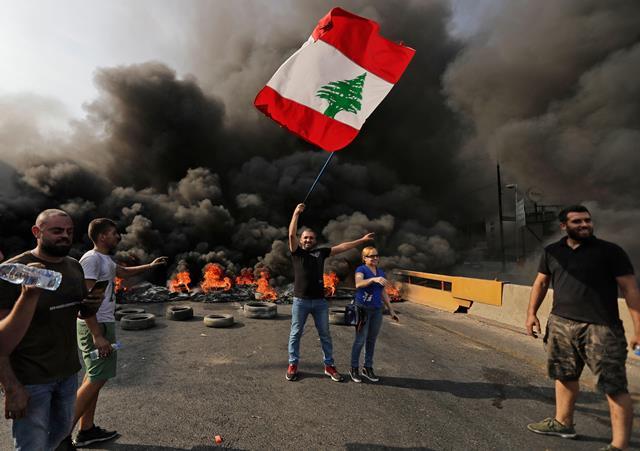 Коронавирус привел к дефолту: что происходит в Ливане?