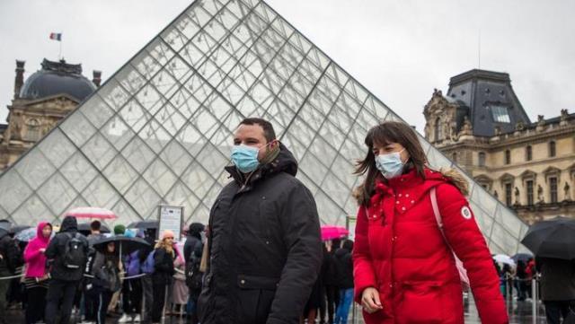 Зачем Франция ослабляет карантин, несмотря на большое число больных коронавирусом