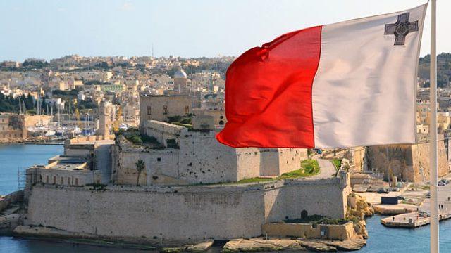От олигархов до Госдумы: Мальта раскрыла имена покупателей ее паспортов из РФ