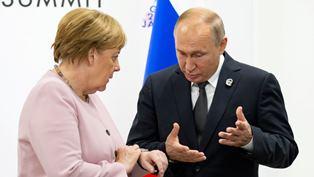 Меркель продолжает защищать Северный поток-2