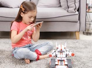 Когда игрушки надоели: идеи необычных подарков для детей