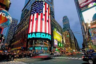 Фондовые рынки США упали до минимум за 6 месяцев из-за коронавируса