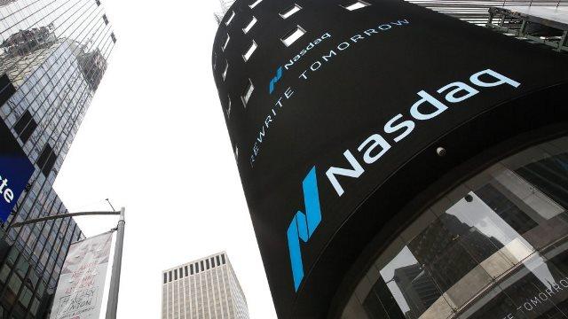 Биржа NASDAQ хочет обязать компании включать в советы директоров женщин и ЛГБТ