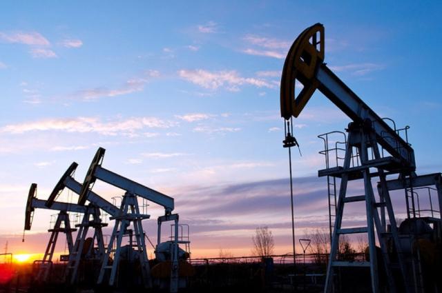 Нефть выросла на 7% после беспрецедентного падения накануне