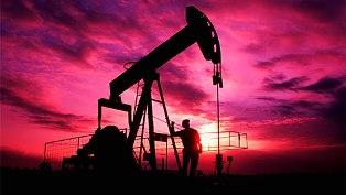 Котировки нефти снова поползли вниз из-за США