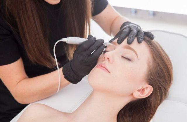 Хобби и профессия: 3 причины пойти на курсы перманентного макияжа