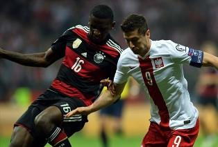 Евро-2016: Польша бьет Германию, спасение Сербии и Дании