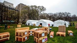 Коронавирус в Нью-Йорке: полевые госпитали и введение войск