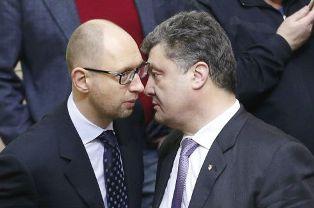 Порошенко Яценюку: должность премьера в обмен на силовой блок