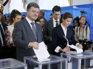 Порошенко не решил идти ли ему на второй срок