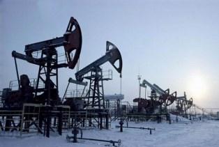 РФ снизила добычу нефти до уровня 2011 года