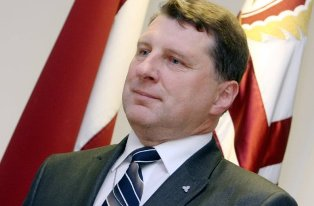 Министр обороны Латвии Раймонд Вейонис пообещал уничтожать
