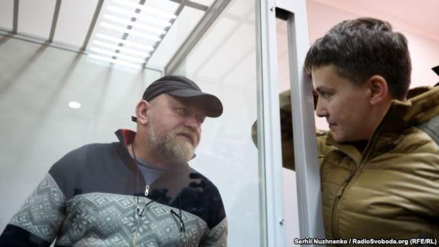 Что стоит за неожиданным освобождением Савченко и Рубана?