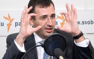 Сергей Гуриев: санкции против России скажутся на крусе рубля