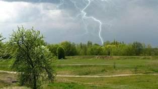 18 мая ожидаются гроза, град, шквальное усиление ветра