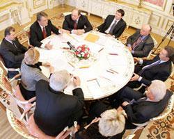 В.Ющенко подвел итоги политических консультаций
