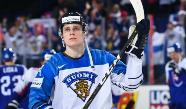 ЧМ по хоккею: Финляндия и Чехия выходят в лидеры групп