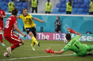 Евро-2020: Швеция и Испания выводят Украину в плей-офф