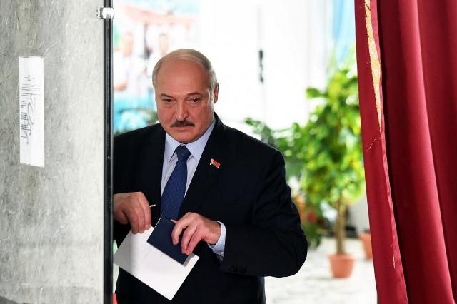 Массовые аресты и отмена матчей: что происходит в Беларуси?