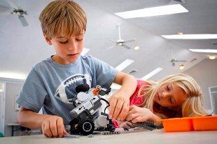 Первые шаги в робототехнике: чем занять ребенка на карантине