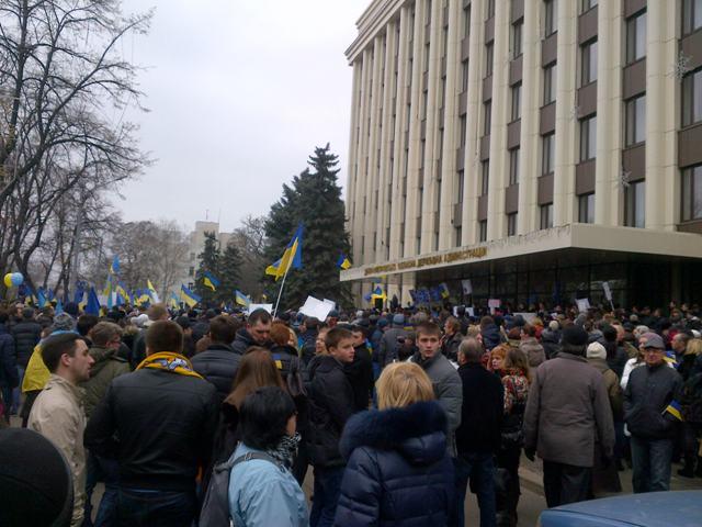 На митинге в Днепропетровске жительница Евпатории рассказала, что на самом деле происходит в Крыму