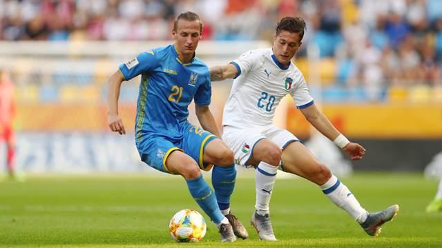ЧМ U-20: Украина проходит Италию, Южной Кореи помогают выйти в финал