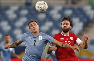 Copa America: Уругувай не дожал Чили, Аргентина обыграла Парагвай