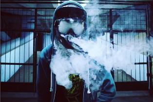 Ученые: электронные сигареты не менее опасны, чем обычные