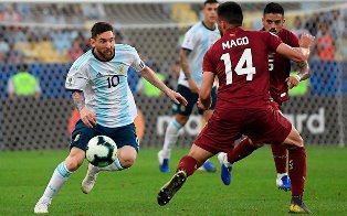 Copa America: Чили выбивает Колумбию, Аргентина в полуфинале