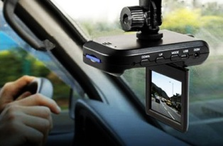 Доверяй, но проверяй: обзор ТОП-3 моделей видеорегистраторов